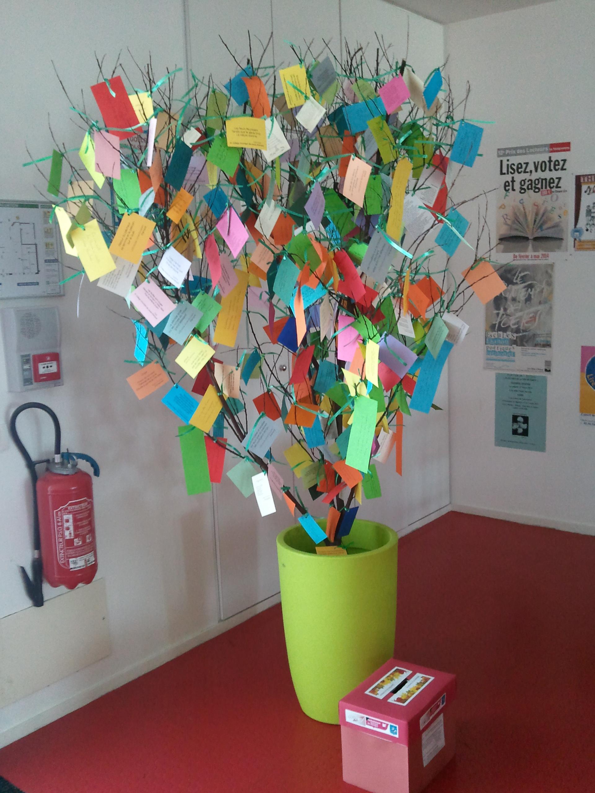 Feuillissement accéléré pour notre arbre à poèmes